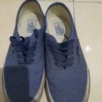 Sepatu vans biru navy authentic pro