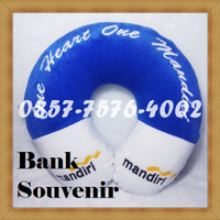 souvenir custom bantal leher bank mandiri