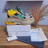 Sepatu BCLG Triple S Grey YL Men Guarantee store - 39, Kuning