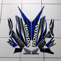Striping sticker lis body honda supra x 125 r thn 2006 hitam biru