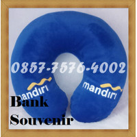 custom bantal leher souvenir bank murah