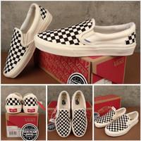 Sepatu vans slip on OG catur checkerboard black white premium