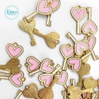heart key pink charm enamel keychain aksesoris liontin anting gelang