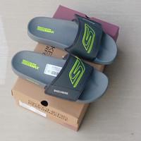 sandal skechers pria