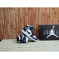 Sepatu Anak Nike Air Jordan 1 High Hitam Putih