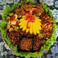 nasi tumpeng nasi kuning untuk 10 orang