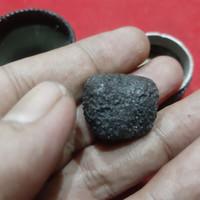 Barang Antik Batu Getar Cahaya