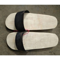 Bakiak kayu + Sandal tradisional dari kayu + Terompah Kayu