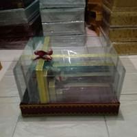 kotak Hantaran mika pita marun