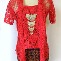 Kebaya Brokat Kutu Baru Cantik Lengan Pendek Warna Merah