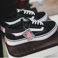 Sepatu Pria Sneakers Cowo Vans Old School Hitam Garis Putih Termurah