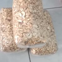 Kacang Mete Pecahan Mentah 1kg Asli Sulawesi