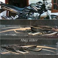 striping stiker tangki & list body Yamaha Scorpio z 2010 warna hitam