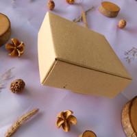 BOX PERSEGI/KOTAK SOUVENIR BAHAN KERTAS SOFT BOARD UKURAN 8 X 8 X 3 cm