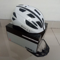 HELM SEPEDA PACIFIC SP SPORTLINE W/ SAFETY LIGHT