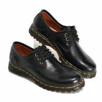 Sepatu Boots Wanita Low Boot 3 Hole Kulit Asli Like Docmart 7010 (Hita