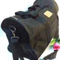 tas travel bahan kanvas biasa, lengkap talpan,uk. L:42cm,P:20cm,T:28cm