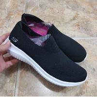 Sepatu Skechers Wanita Sneakers Slip On Hitam Size 36-39