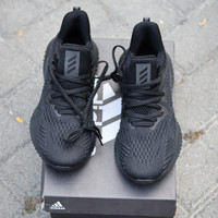 Sepatu Sneakers Adidas Alphabounce Triple Black