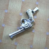 liontin/bandul kalung pria model pistol K-28