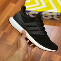 Sepatu Sneakers Adidas Ultraboost 4.0 Black White Unisex