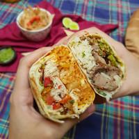 Burrito Roast Chicken & Carne asada size Large (FREE CONDIMENT)