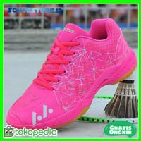 Sepatu Badminton Kesukaan Wanita Pink Ringan Nyaman Terbaru BA500