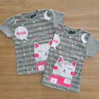 Baju Atasan Kaos Anak Perempuan Cewek Kucing Cat Kitty Astronot Abu