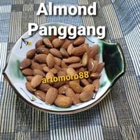 Kacang Almond panggang/roasted almond Blue Diamond 250gr