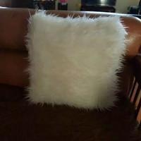 sarung bantal bulu putih korea / sarung bantal sofa ukuran 40x40cm