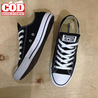 Sepatu Sekolah Sepatu Converse all star Hitam putih/sepatu pria wanita