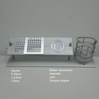 Jam kalender meja tempat pulpe atau hiasan kantor Aluminium 28x8x6,5cm