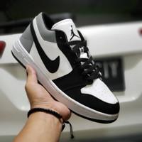 sepatu sneakers pria wanita nike jordan hitam putih ukuran 36 - 45