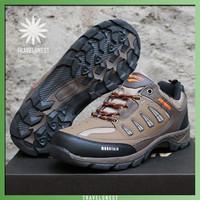 Sepatu Gunung Waterproof Air Protec Mountain - Outdoor Hiking Running