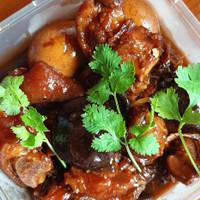 Uncle Lau Kitchen-1/2kg pack Cukiok/Kaki Babi Kecap Spesial Paman Lau
