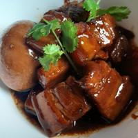 Uncle Lau Kitchen - Babi/Samcan Kecap Spesial Paman Lau kemasan 1/4 kg