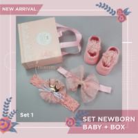 Set Newborn Baby Gift Kaus Kaki + Pita Rambut Bando Hampers Kado Bayi