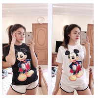 Baju Kaos Wanita Tumbl Tee Lengan Pendek Katun Combed All Size Murah