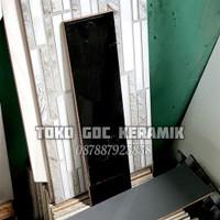KERAMIK DINDING 10x40/LIS KERAMIK 10x40/PLINT LIST KERAMIK 10x40 HITAM
