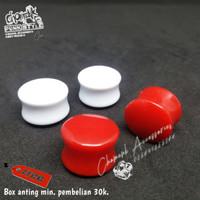 Piercing earring plug acrilik merah-putih 14mm/16mm.
