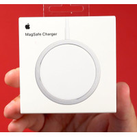 MagSafe Charger 20W Wireless Magnetic Charging Apple iPhone 12 AirPods