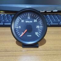 VDO Tachometer RPM 0-3000 24 volt
