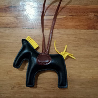 Gantungan tas / aksesoris tas/replika h3rmes /kuda