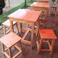 meja resto/meja Caffe 1 meja+ 4 bangku kotak