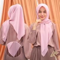 Hijab Segiempat Bella Square Polycotton Lasercut