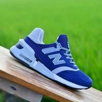 Sepatu Sneakers Pria Casual Sporty Casual & Nyaman