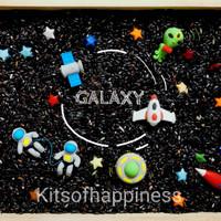 Meet the galaxy sensory play set / sensory rice bin / space astronaut