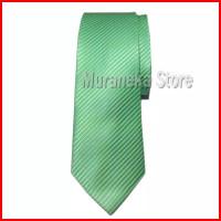 dasi pria panjang hijau muda garis halus