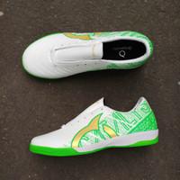 Sepatu Futsal Ortuseight Catalyst Chypher White Lawn Green - Putih, 39
