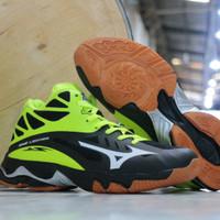 sepatu olahraga volly mizuno wave lightning hitam hijau